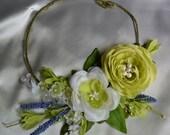 Bridal Statement Necklace, Floral Necklace, Green Flower Necklace, Boho Flower Necklace, White Bridal Necklace, Rustic Bridal Necklace
