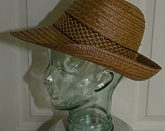 Vintage 1960's Womans Straw Hat with Feather