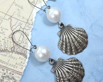 SHIMMERING SHELLS - Silver Tone Acrylic Seashell Pearl Charm Dangle Earrings