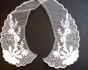 White Collar, White Netted Lace Collar Appliques, Pearl Beaded, Set of 2 Pieces