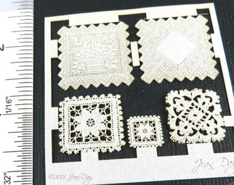 KIT 1:12 Laser Lace, Cotton Doily Grouping 3 Square Doilies, LL005