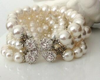 Ivory Bridal Pearl Bracelet,Wedding Jewelry ,Pearl Wedding Bracelet , Bridesmaids gifts , Chunky Bold Weddings Pearl Bracelet ,handmade