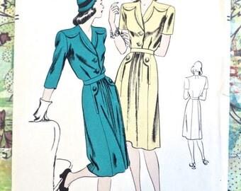 Vintage 1940s Womens Dress Pattern with Yoke Detail - Vogue 5357