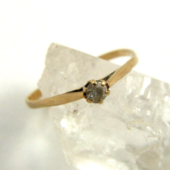 Vintage 9k 9ct Gold Faux Diamond Solitaire Skinny Ring, US Size 5-3/4, UK Size L