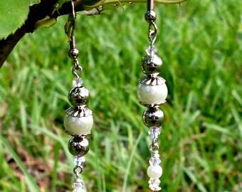 """Handmade """"Peal & Silver Metal Beads"""" Earrings"""