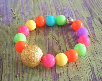 Multi Colored Acrylic Gumball Beads with Shiny Gold Metal Bead Stretchy Bracelet