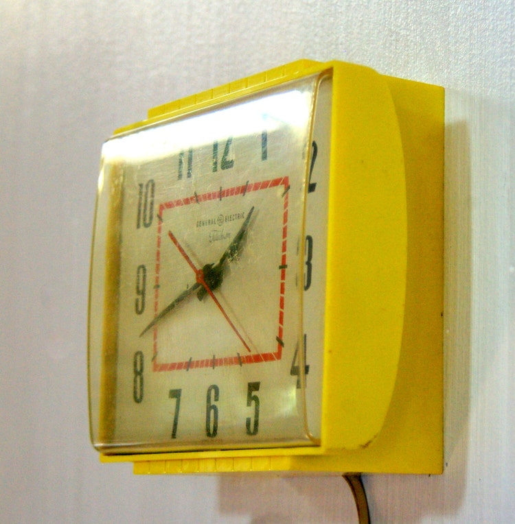 Electric Mantle Clocks also Vintage Stil Orig Box German Semca 439125675 as well Ex le Photo 2378 1 moreover Clock Build Pg2 likewise Telechron Model 7H235 Electric Alarm ClockNeeds Cosmetic Repair. on telechron repair