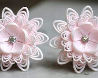 1950s Pink Plastic Flower Earrings