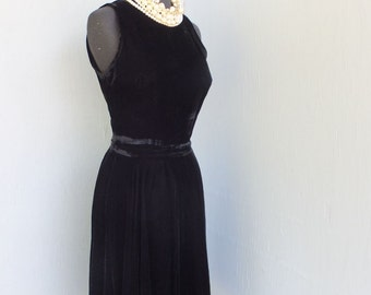Vintage 1950s Black Velvet Party Dress / Rockabilly, Full Circle Skirt...Fit and Flare / LBD Cocktail or Dinner Dress After Six