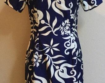 Vintage Hawaiian day dress Asain Cut. Royal blue and cream floral dress size M