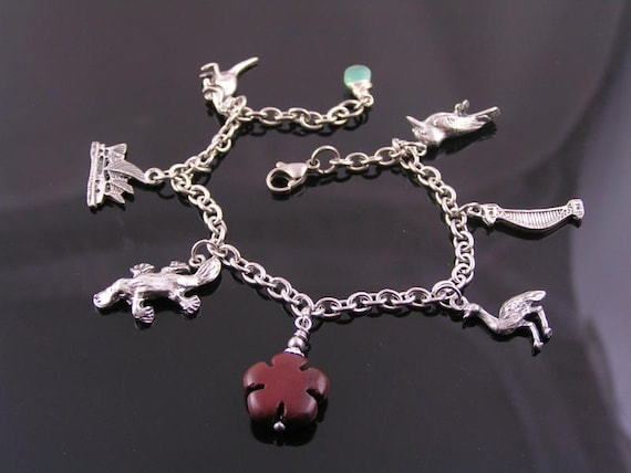 charm bracelet with australian charms and by wedunitjewels