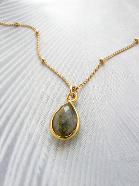 Labradorite necklace, Bridesmaid jewelry, Labradorite pendant necklace, gemstone necklace, gemstone pendant necklace Bridal necklace