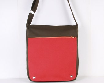 Men Messenger / Army Green Red Canvas / Cream Lining / Adjustable strap / Women Messenger / Travel Bag
