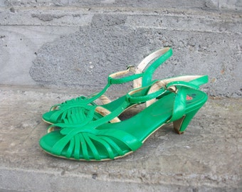 Vintage JC Green Sandals Size 6 SALE