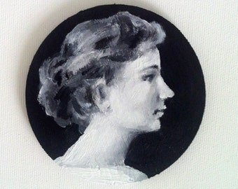 very small painting- vintage lady in black and white Rounding format on wood / original acrylic painting on shaped wood