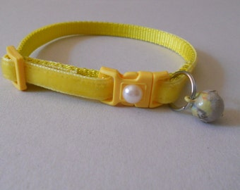 Plush Velvet Cat or Kitten Breakaway Collar - Daffodil Yellow