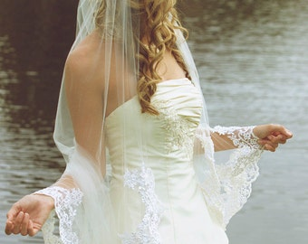 Traditional Laced Edge Wedding Veil, Long Bridal Veil