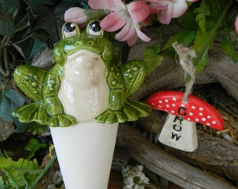 Water Tender Garden Frog Plant Tender - Water Globe water source for your plants when you are on spring vacation