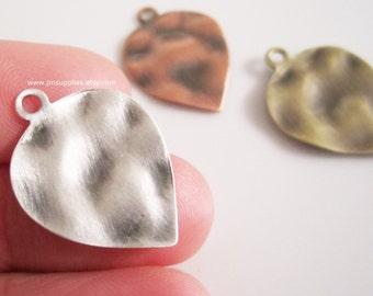 Drop, 23x18mm Textured Leaf