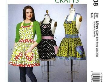 FULL APRON PATTERN / Sizes Petite to Extra Large / 3 Styles / Detachable Petticoat