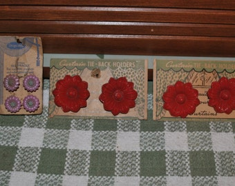 Vintage Curtain Pinbacks Flowers and Teapots