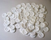 100 Bright White 7/8 Inch Buttons, Lot  W-10 (Free US Shipping)