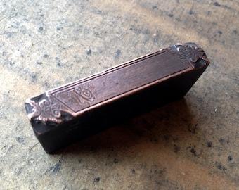 Antique all metal PRINTERS BLOCK - Fancy numbers label
