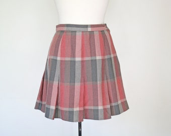 AUDREY HORNE // pink and grey plaid pleated 1980s or 90s schoolgirl skirt by California Select