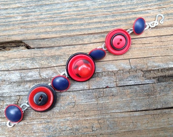 red and black buttons charm bracelet with hand-hammered links - 590