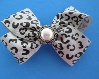 Pearl hair bow, girls hair accessory, alligator hair clip