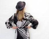 Vintage dress / 70s abstract gray and black day dress / size L