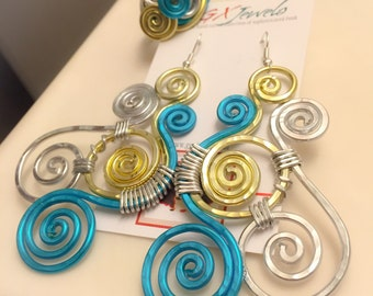 PHOENIX RISING: Bangin Beautie Multi Colored hammered aluminum earrings