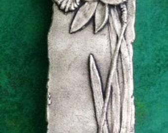 Daffodil facing left Ceramic Pottery Porcelain Relief Tile