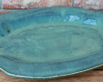 Handmade Whakatane New Zealand Kiwi Green Ceramic Matzah or Giveltafish Platter for Passover, Shabbat Fish Platter, or Jewish Wedding Gift