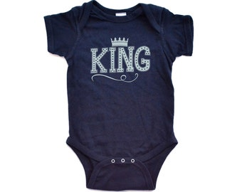 Baby Boy Cute KING Design With Crown On Soft Ringspun Comfy Cotton Bodysuit Unique Design - Baby Gift Baby Shower Idea Long or Short Sleeve