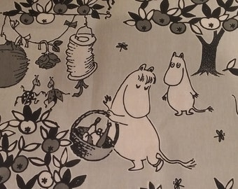 JUHLAMUUMI Tove Jansson 100 years Moomin cotton fabric  Party Moomin grey tillukka