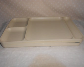 Tupperware Divided Tray Lunch Tray set of 4