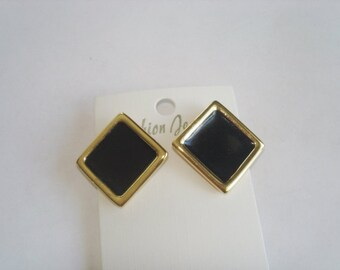 Monet Vintage Jewelry Earrings Black  Gold Tone
