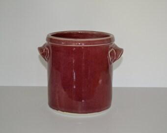 Copper red, porcelain spoon jar.