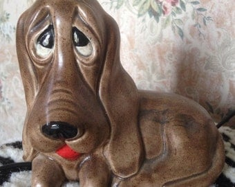 Vintage ceramic big-eyed hound dog figure