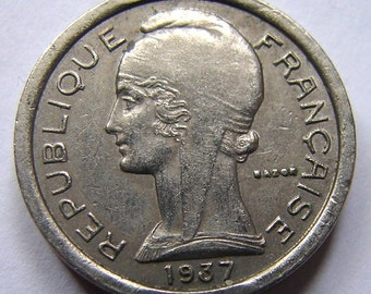 Vintage over 70 years old 1937 FRANCE P. T. T Public TELEPHONE Copper Nickel Token