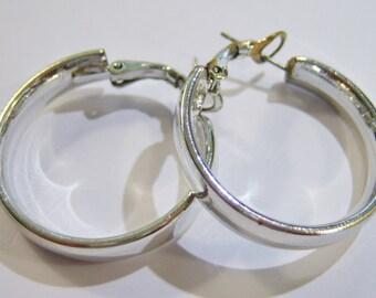 vintage silver tone hoop loop pierced classic earrings 14IN