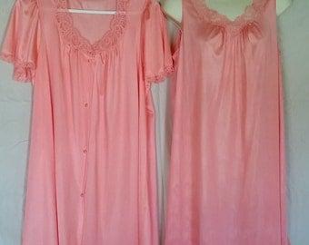 Vintage Lorraine Nightgown And Peignoir Set Peach Size M