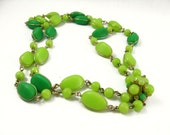Green Bead Necklace, Light Green Beads, Green Chunky Necklace Statement, Double Strand Necklace Gold, Vintage Green Necklace, Wired Beads