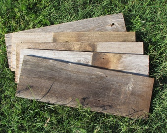 Reclaimed Old Fence Wood Boards - 1 Board - 18 Inch Length -Weathered Barn Wood Planks Good Condition - Great For Rustic Crafting!