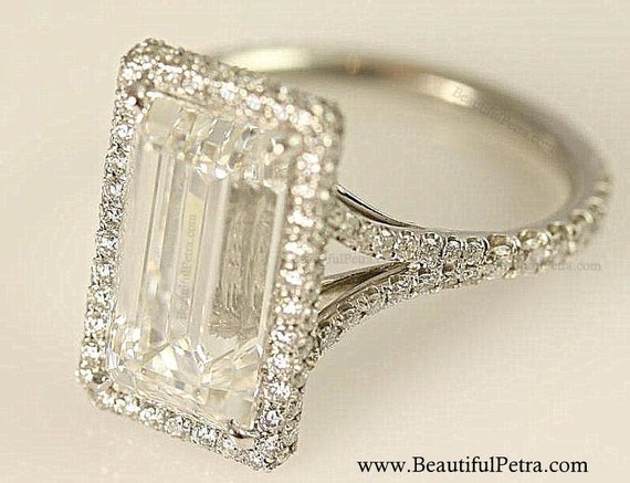 Sale - GIA Certified F/VVS2 - Emerald Cut Diamond engagement ring - 14K  white