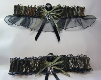 CAMO Garter Black MOSSY OAK Camouflage wedding garters Deer