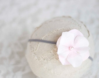 Pale Pink. Flower Headband. Silk Flower. Pearl. Gray. Skinny Elastic. Girl. Baby. Photopraphy Prop. Newborn. Tolola Designs.