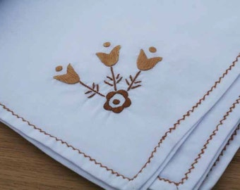 Vintage Embroidered Linen Table Cloth and Napkins - Set of 8