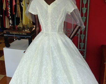 Vintage 1950s Jacquard Ivory Wedding Dress and Matching Veil